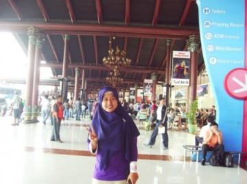 Berpose di Bandara Soeta (Soekarno-Hatta)