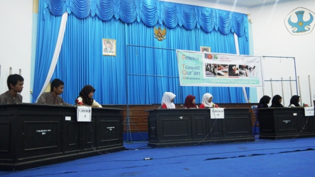 Salah satu cabang lomba MTQ:Debat bahasa Inggris Kandungan Al-Qur'an