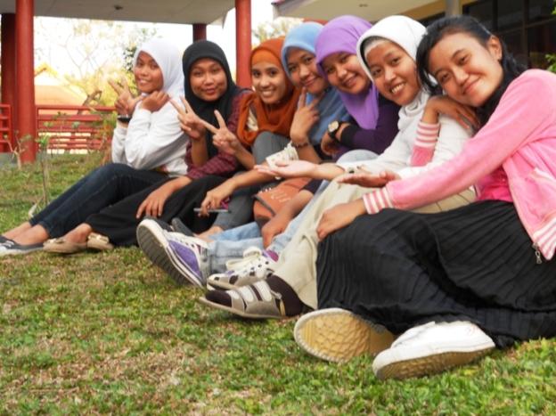 Kawan seperjuangan di Kelas TOEFL...Miss u so much :-)