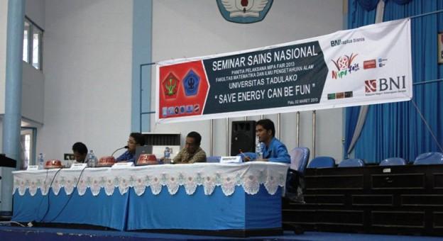 Seminar Sains Nasional di Gedung Auditorium Untad