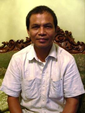 Ir. H. Burhanuddin Nasir, MP selaku ketua Pembina PKM Untad