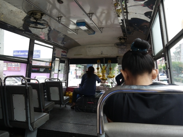 Bus 8 yang kami naiki