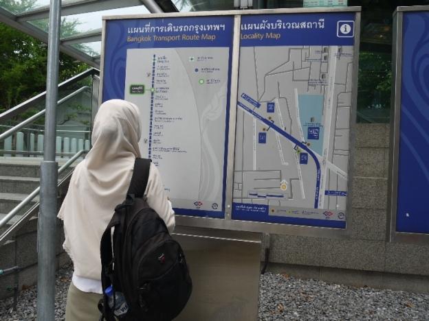 Peta di depan kereta bawah tanah (MRT)